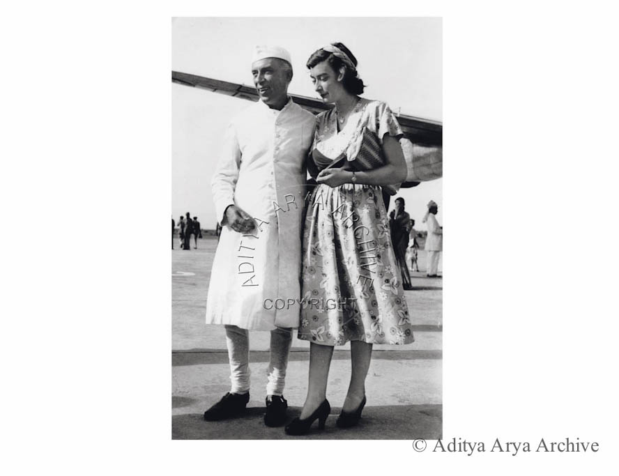 Jawaharlal Nehru and Pamela Mountbatten at Palam Airport, Delhi when the Mountbattens were leaving India for good.1948