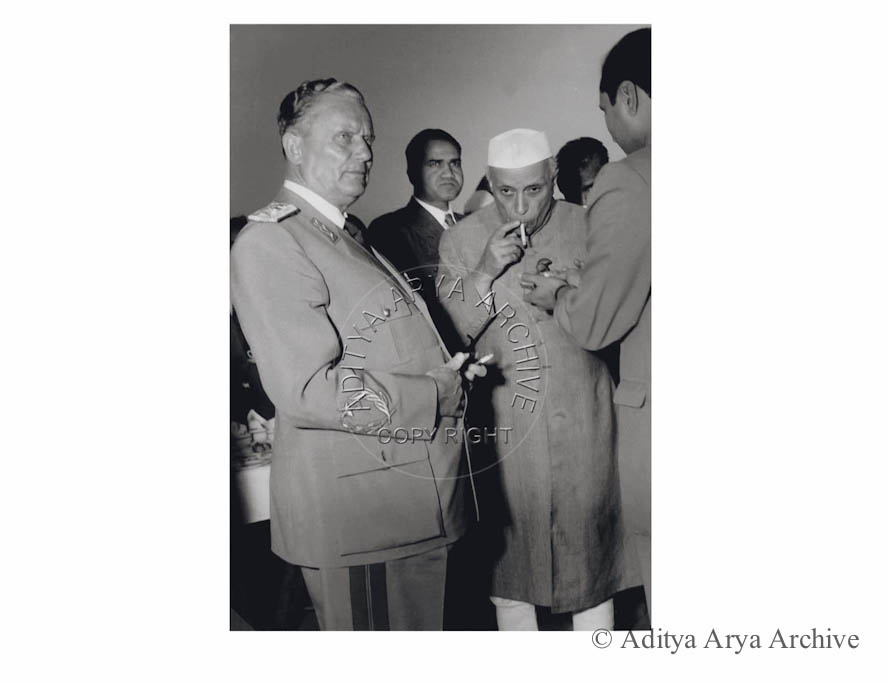 Marshall Tito and Jawaharlal Nehru take time off for a smoke. Undated