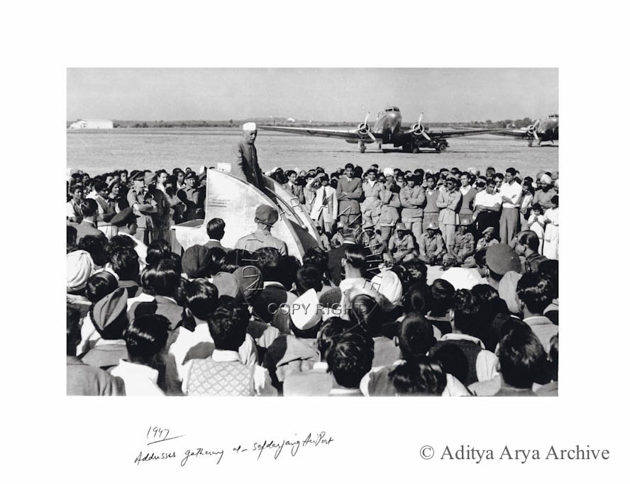 Nehru ji addresses gathering at Safdarjang Airport