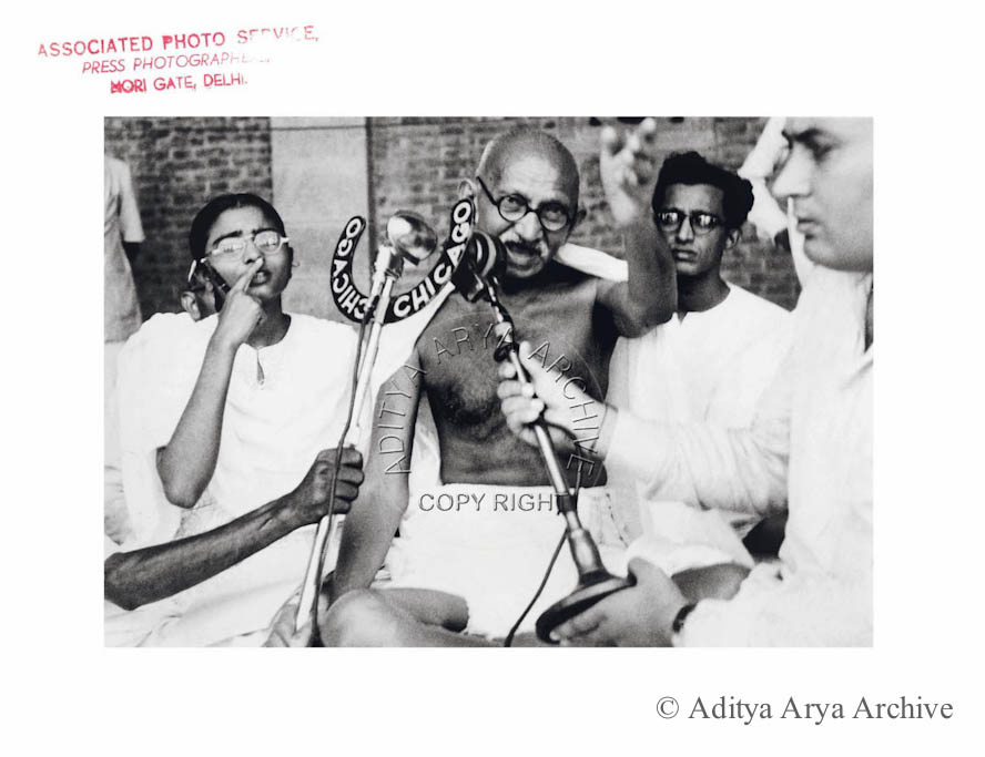 Mahatma Gandhi at the All India Congress Committee session .New Delhi .1947