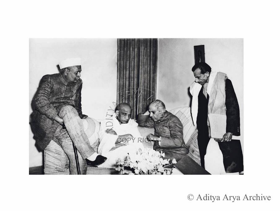 Acharya Kriplani with Jawaharlal Nehru, Sardar Patel and Rajendra Prasad. Undated