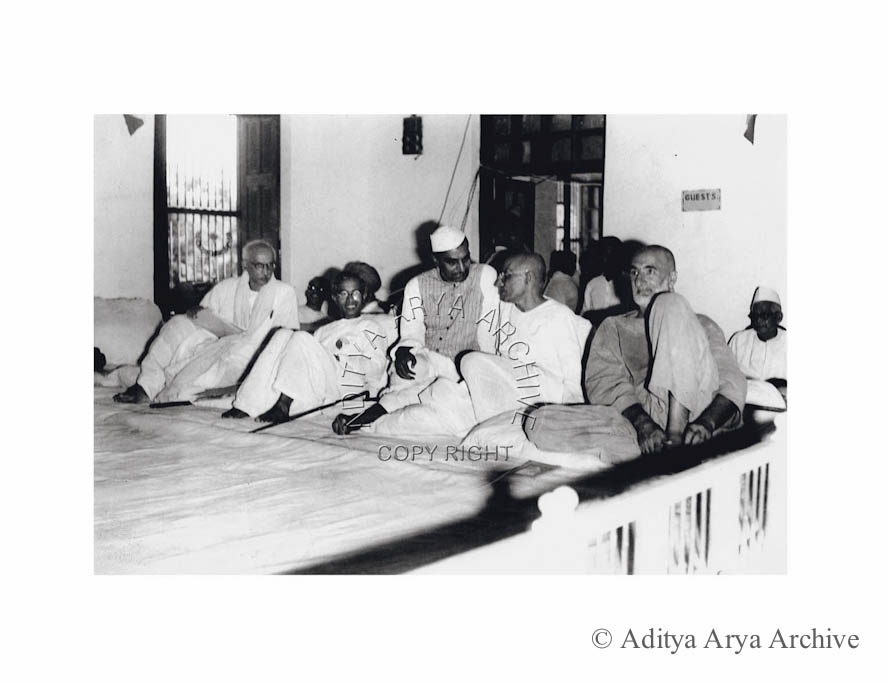 Khan Abdul Ghaffar Khan, Rajendra Prasad, Ghosh and Pattabhi Seetharamaiah. Undate