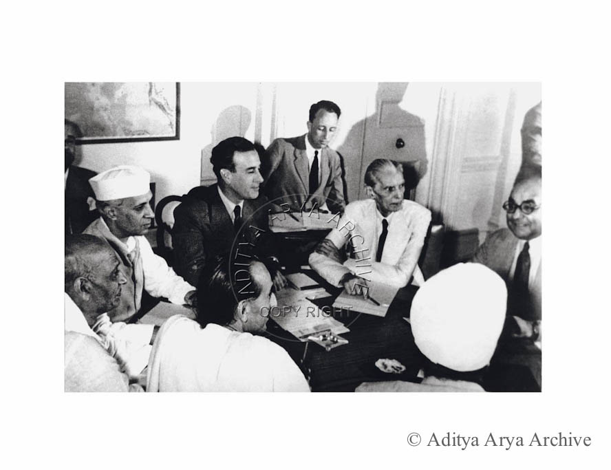 The meeting to announce the 3rd June Plan for the partition of India. Attended by Congress and Muslim Leaders. Seen R to L is Shaukat Ali ,M.A. Jinnah .Lord Mountbatten, Jawaharlal Nehru, Sardar Patel ,Acharya Kriplani and Baldev Singh .1947