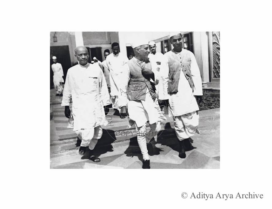Rajendra Prasad, Jawaharlal Nehru and Sardar Patel in Birla House at the Congress Working Committee meeting. 1938