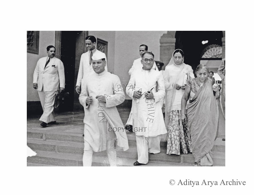 Members of the Fourth Constituent Assembly arriving at the session. Seen from R to L Sarojini Naidu. Begum Aizaz Rasul .Tajmul Hussain and Satya Narain Sinha