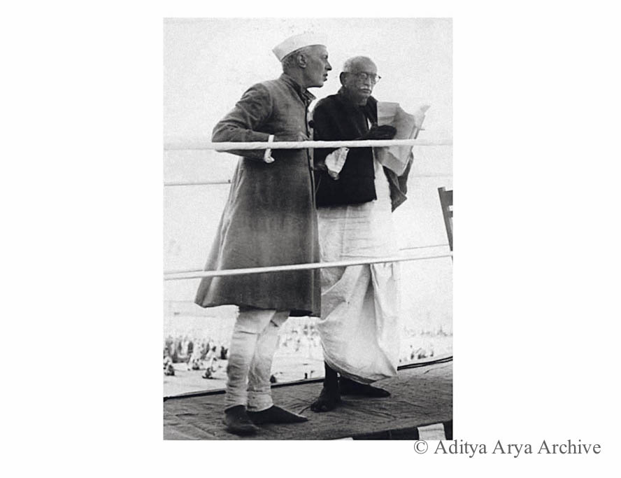 Jawaharlal Nehru with Pattabhi Seetharamaiah president of Jaipur Session.1948
