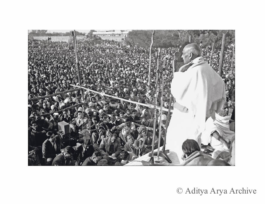 Sardar Patel addressing a gathering at the death anniversary of Mahatma Gandhi in New Delhi.1949