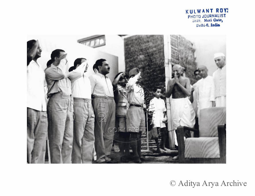 INA soldiers welcoming Gandhiji at the Harijan Colony. Also seen Jawaharlal Nehru and Sardar Patel 1945