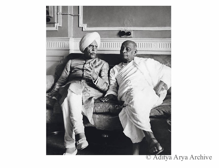 Sardar Patel and the Maharaja of kapurthala at the reception in Motibagh.Patiala. 1948