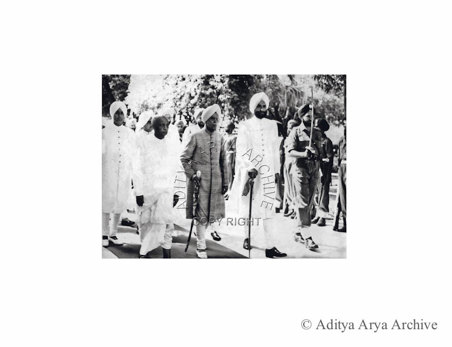 Sardar Patel and the Maharajas of Kapurthala and Patiala, arriving at the Darbar Hall, Patiala, to inaugurate the Phulkian Union.1948