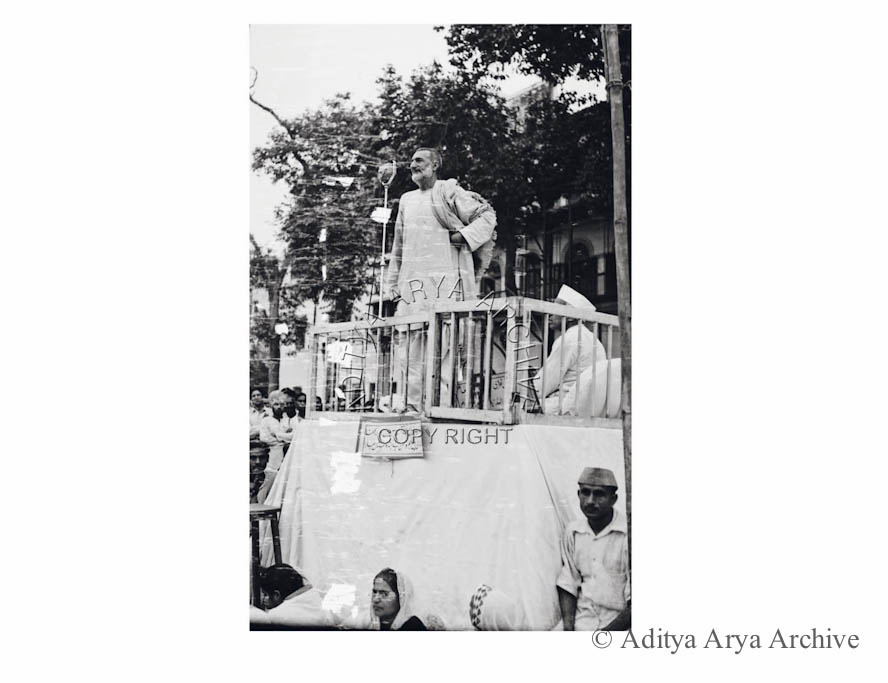 Khan Abdul Ghaffar Khan, popularly as Frontier Gandhi addressing a meeting. 1938
