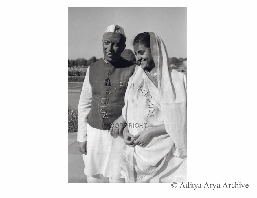 Jawaharlal Nehru and Indira celebrating holi at Rashtrapati Bhavan. 1956