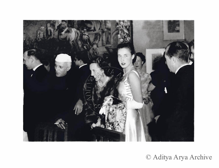 Jawaharlal Nehru with foreign diplomatic.1950s