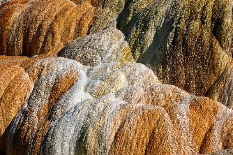 thermal spring rocks, yellowstone park, usa, 2004