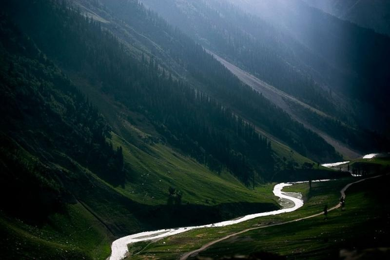 snaking river, zojila pass, ladakh, 2007