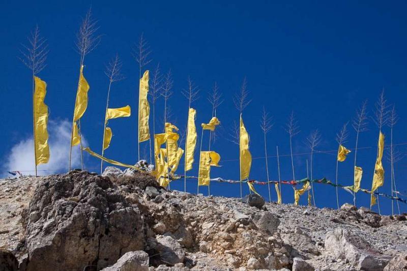 prayer flags, sela pass, arunachal, 2010