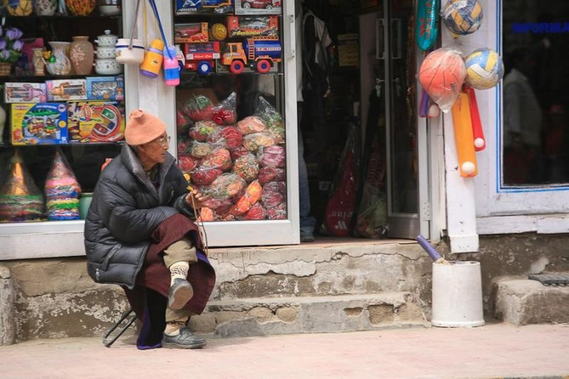 shopkeeper, leh, 2006