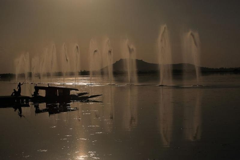 dal lake, srinager, 2006