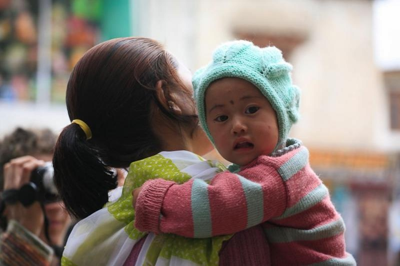 mother and child, leh, 2006