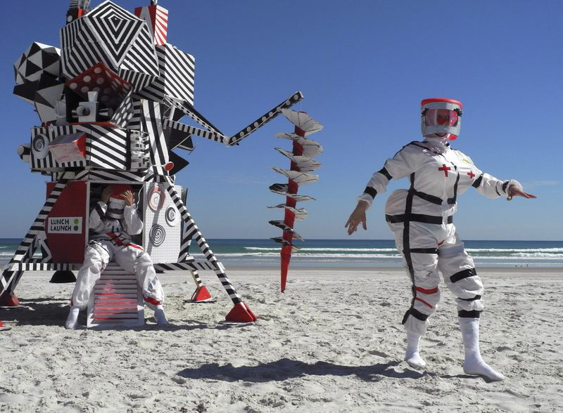 The Razzle Dazzle Lunar Module with Ride Sally Ride