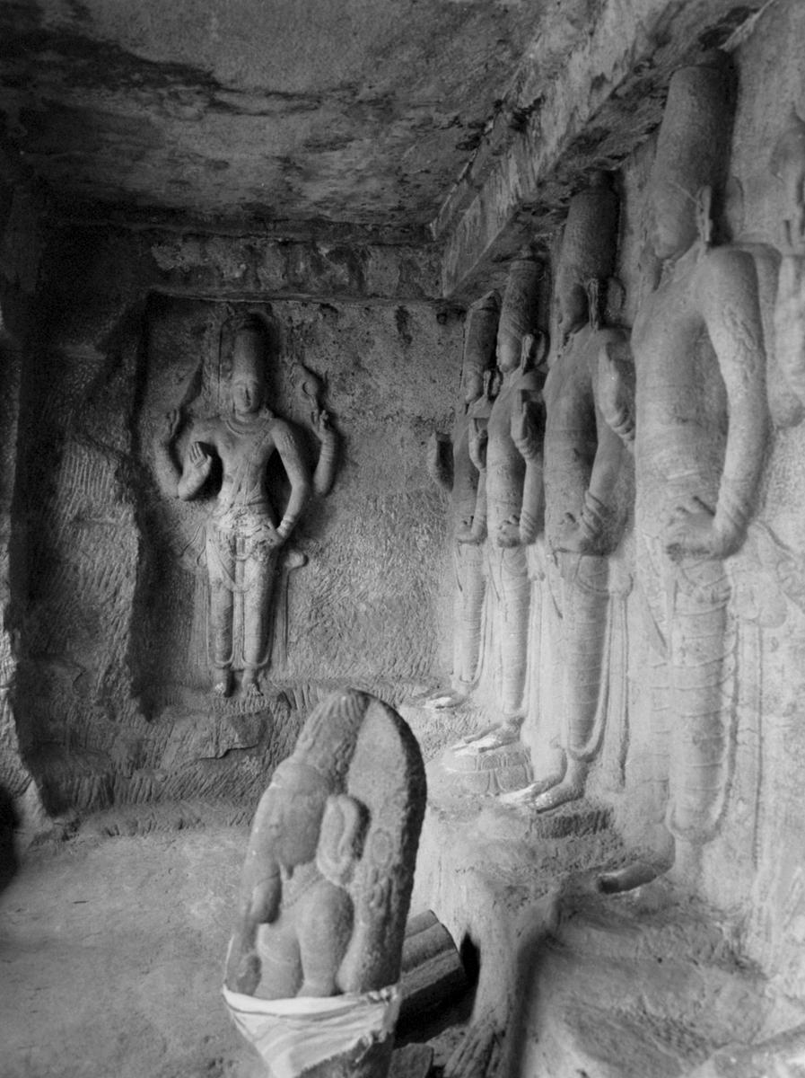 Vishnu and Ganesha-1, Narthamalai, Tanjore 2014   Edition 1 of 2