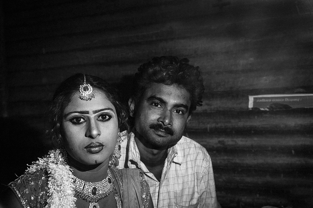 Amit Kr. Singh and his Nautanki Artist wife Chandni. Amit fell in love with Chandni and ended up realising his family had disowned him and now lives with Chandni. They have a 4 year old son.