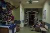 La patiente parle à sa famille, à Moscou, le 20 décembre, 2014.  Pour l'instant les hôpitaux de Moscou acceptent tous les gens peu important quel lieu est enregistré dans leur de passeport, a partir de 1 janvier 2015, il faut être attachée a une policlinique particulière. Ca va compliquer les soins gratuits pour les gens qui ne sont pas originaires de Moscou.