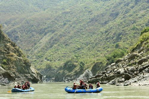 White water rafting - ANALA outdoors