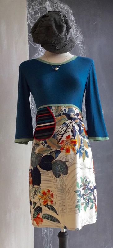 SOPHIE DRESS BLUE/FLEUR 179, LILLIPUT HAT, BurfurtART NECKLACE